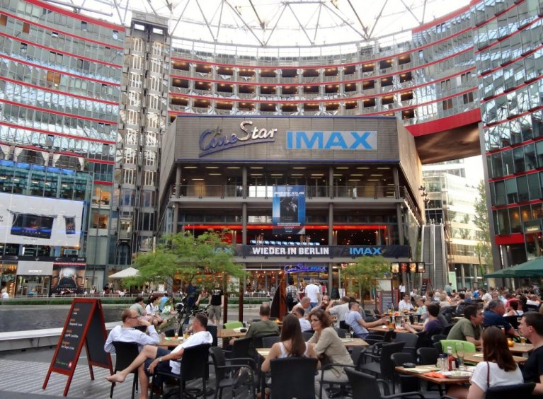 CineStar IMAX im Sony Center - Bild 2