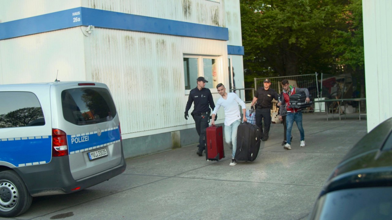 Deportation Class - Bild 16