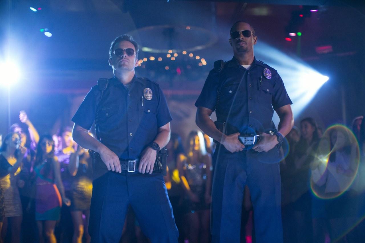 Let's be Cops - Die Party Bullen - Bild 2