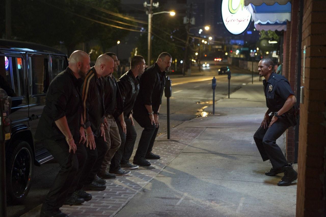 Let's be Cops - Die Party Bullen - Bild 6