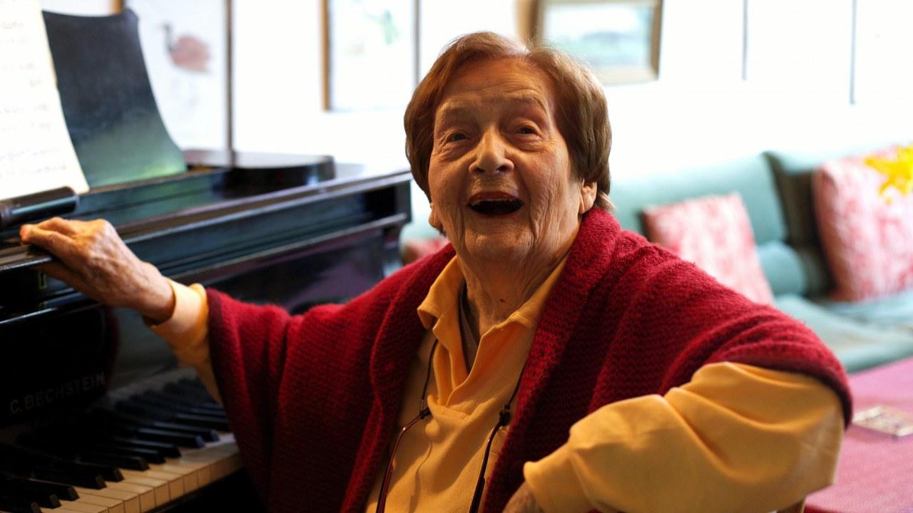 Ü100 - Acht über Hundertjährige und ihre Lebenswelt - Bild 1