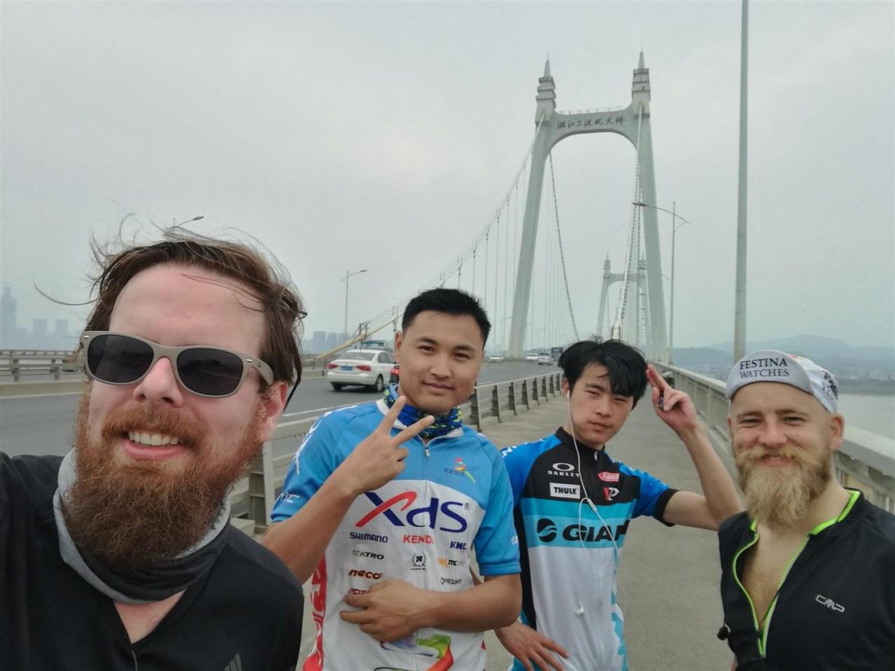 Verplant - Wie zwei Typen versuchen, mit dem Rad nach Vietnam zu fahren - Bild 5