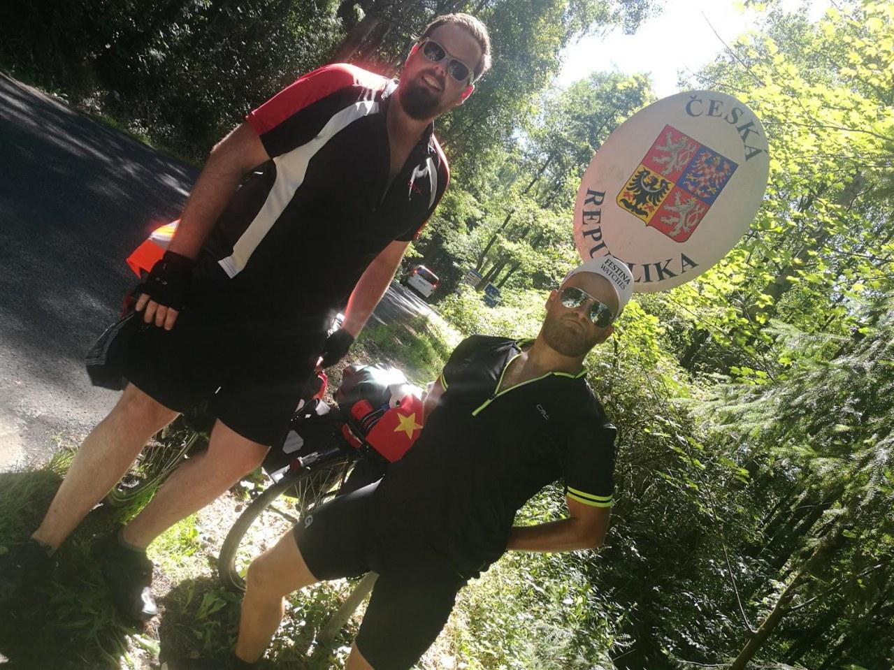 Verplant - Wie zwei Typen versuchen, mit dem Rad nach Vietnam zu fahren - Bild 6