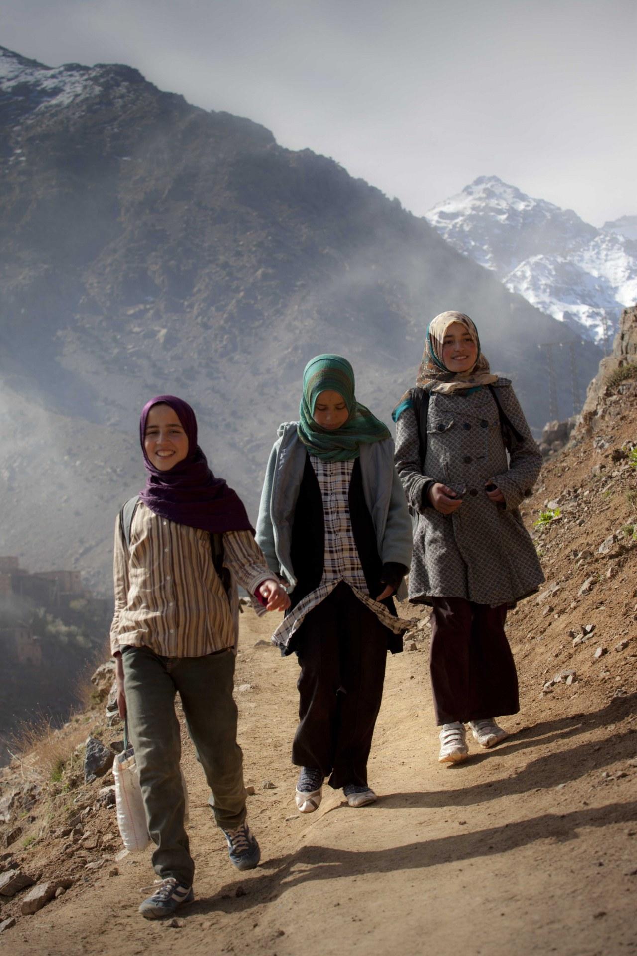 Auf dem Weg zur Schule - Bild 2