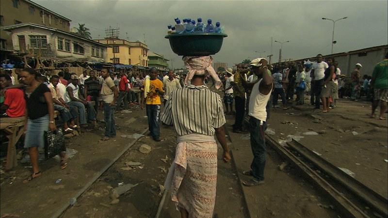 Bottled Life - Das Geschäft mit dem Wasser - Bild 2