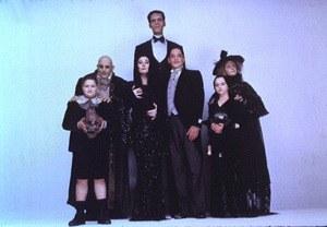 Die Addams Family in verrückter Tradition - Bild 1