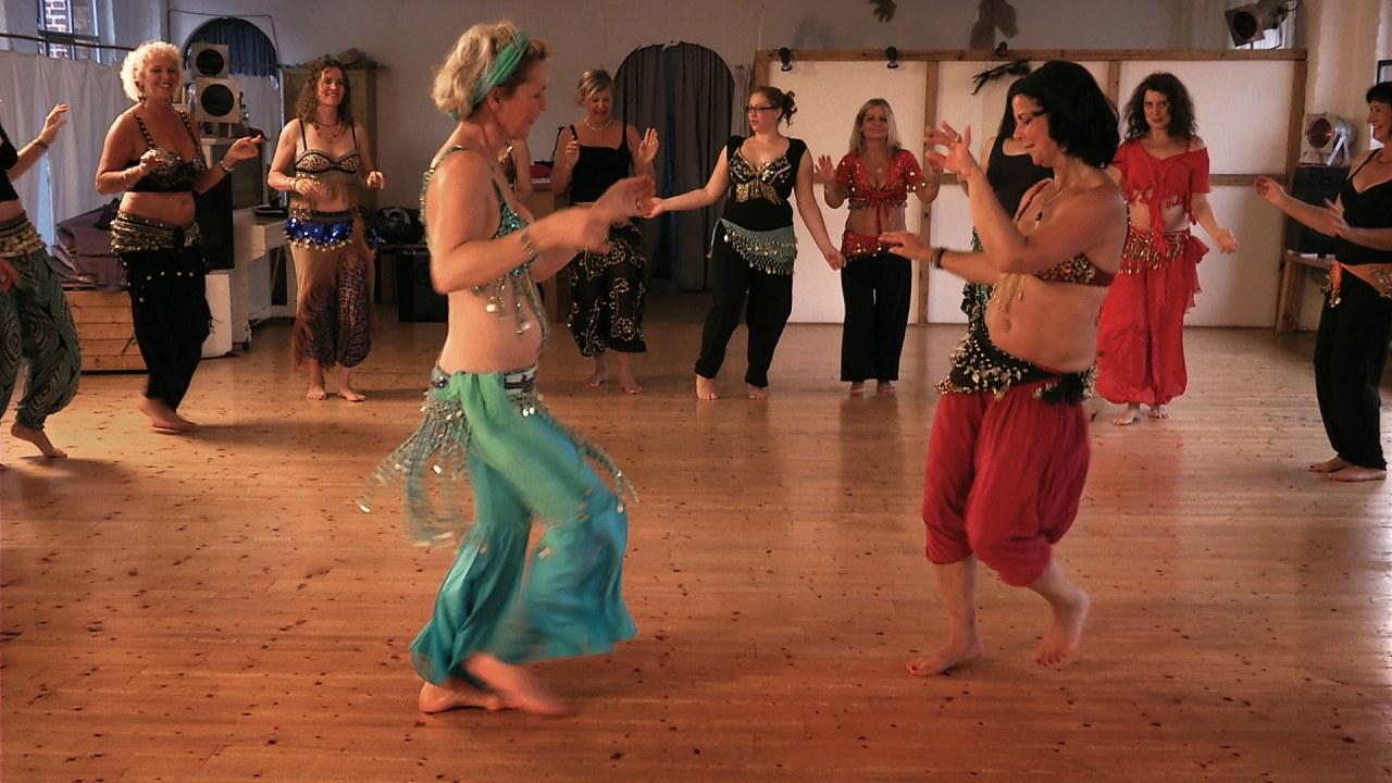 Die mit dem Bauch tanzen - Bild 5