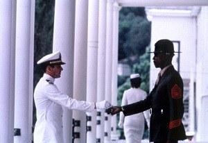 Ein Offizier und Gentleman - Bild 1