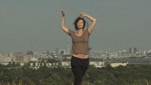 Eine flexible Frau - Bild 2