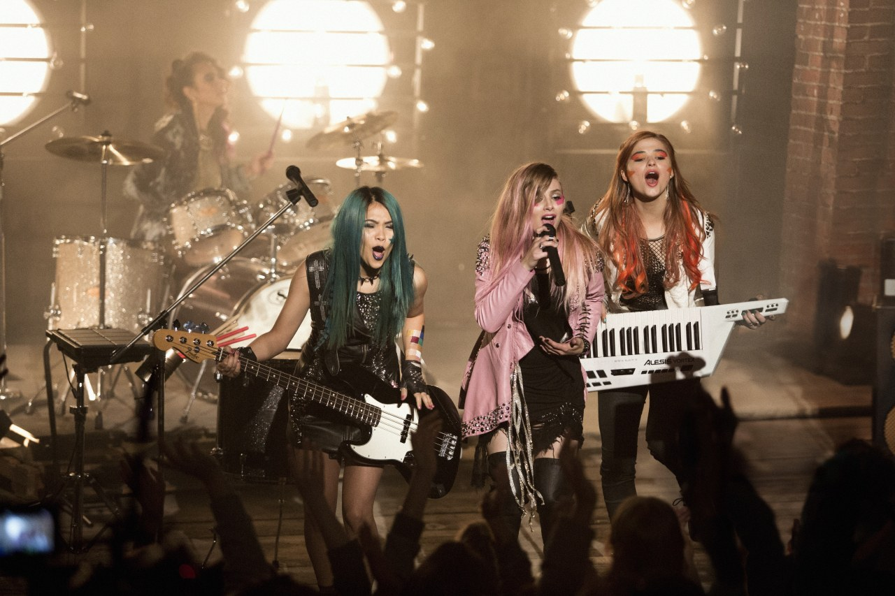 Jem and the Holograms - Bild 1