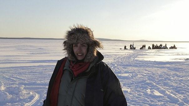 Mädchen im Eis - Bild 1