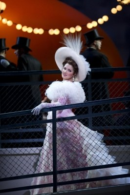 "The Metropolitan Opera New York 2011/12 - Massenet ""Manon"" - Bild 1"