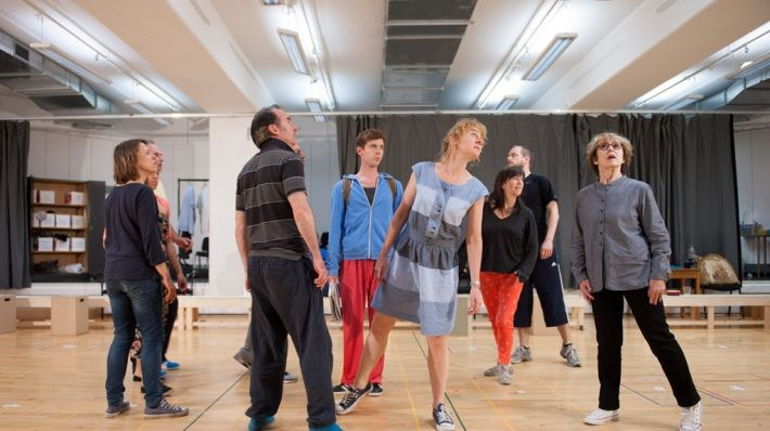 National Theatre Live: The Curious Incident of the Dog in the Night-Time - Bild 3
