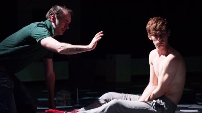 National Theatre Live: The Curious Incident of the Dog in the Night-Time - Bild 6