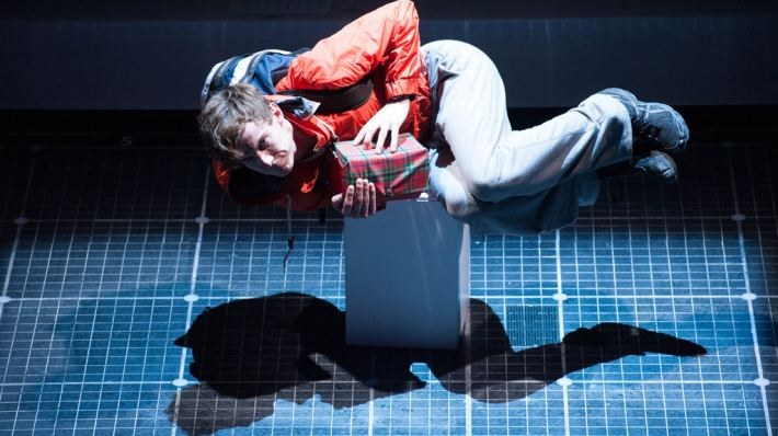 National Theatre Live: The Curious Incident of the Dog in the Night-Time - Bild 14