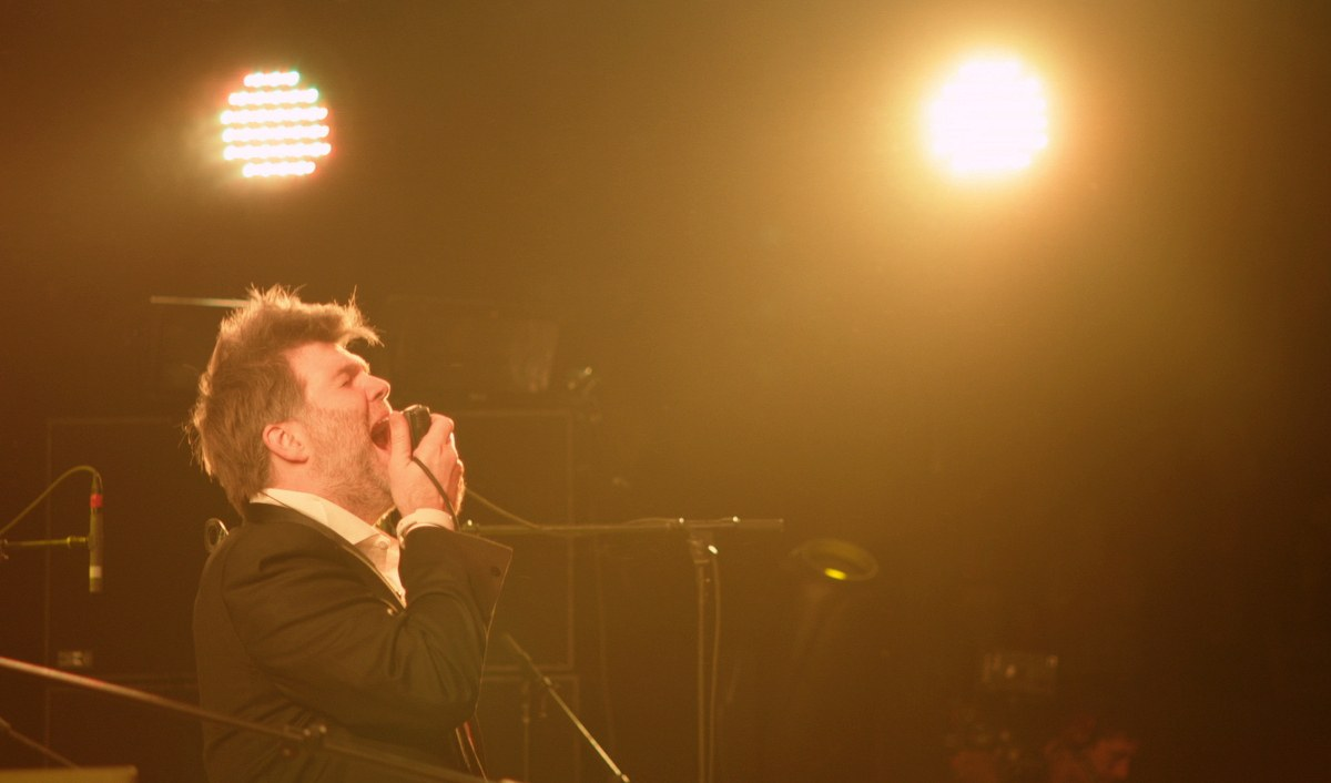 Shut Up And Play the Hits - Bild 8